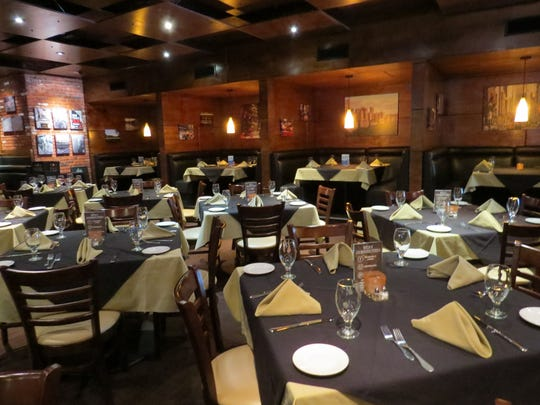 The indoor dining room at The Manhattan of Camarillo echoes the restaurant's New York theme.