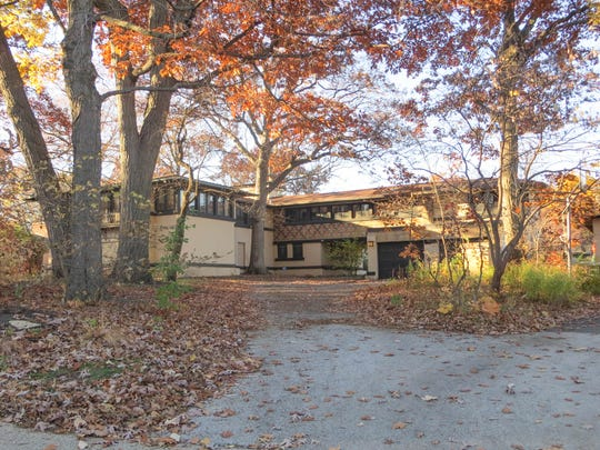 Frank Lloyd Wright designed the Avery Coonley residence in Illinois, with significant assistance from Milwaukee architect George Mann Niedecken.