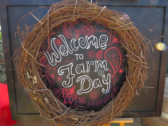 A sign welcomes Ventura County Farm Day participants