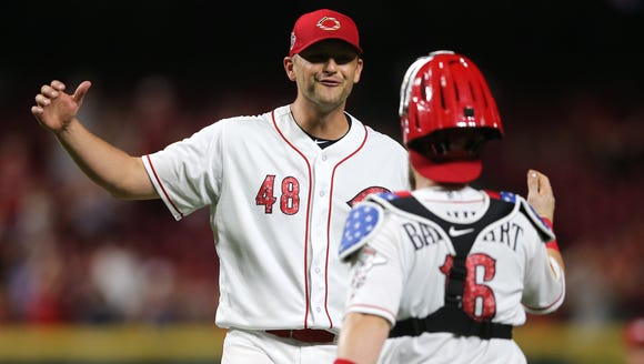 Cincinnati Reds relief pitcher Jared Hughes (48) and