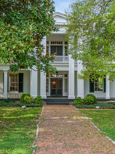 The exterior of a historic home for sale in Williamson County.