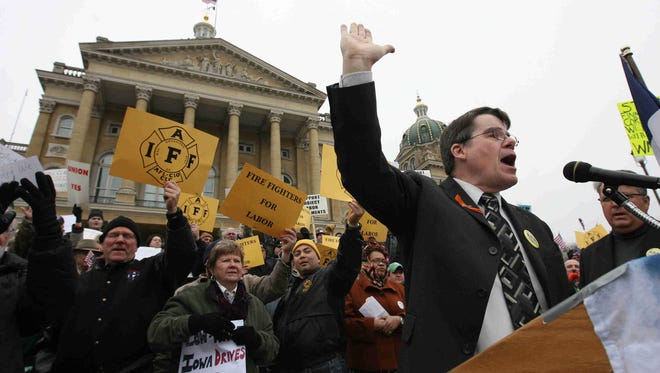 Senate Majority Leader Mike Gronstal, D-Council Bluffs, speaks at a rally at the Iowa Capitol in 2011.