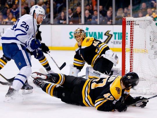 Playoffs_Swing_Away_Hockey_09026.jpg