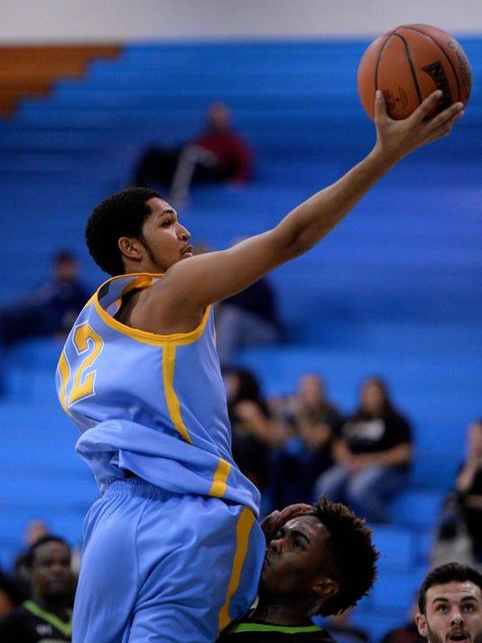 -11062015_ugf mens basketball-a.jpg_20151106.jpg