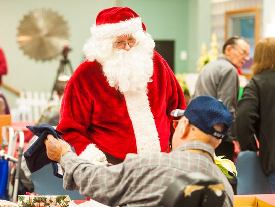 Santa meets with residents of the Vineland Veterans