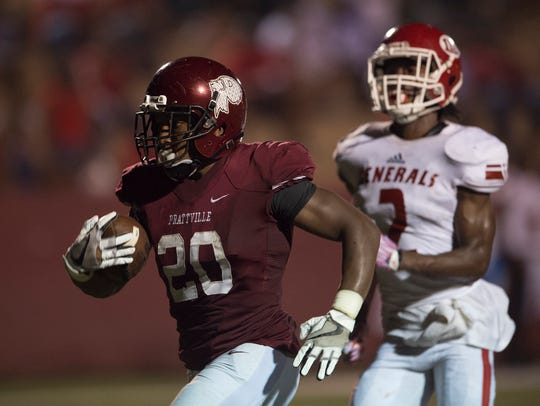 Prattville Deangelo Jones (20) runs for a touchdown