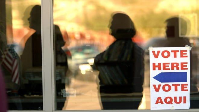 En los condados de Pima y Maricopa, hay alrededor de 120 casillas dónde tendrán voluntarios presentes para observar que el proceso electoral esté funcionando sin problemas.