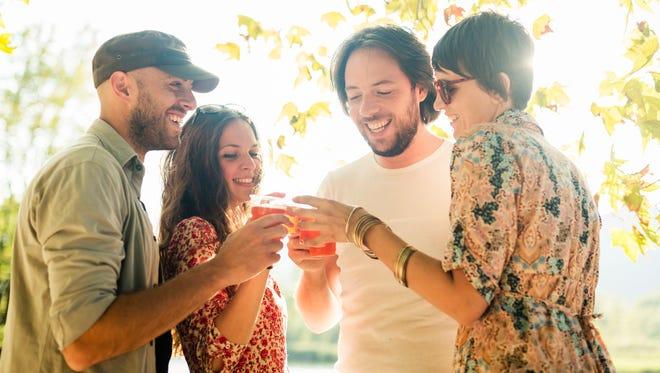 Friends drinking.