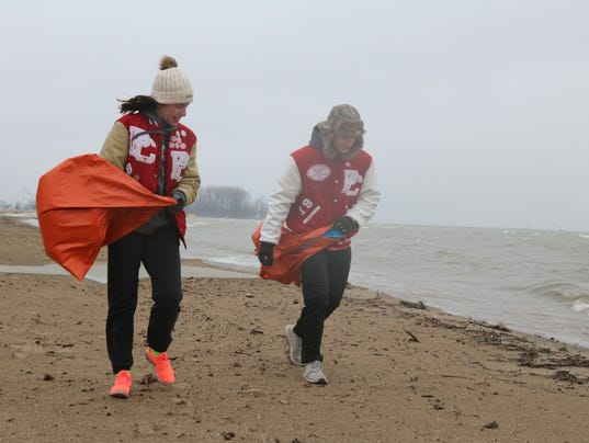 1_beach-cleanup_636593089917533099-IMG-0684.JPG