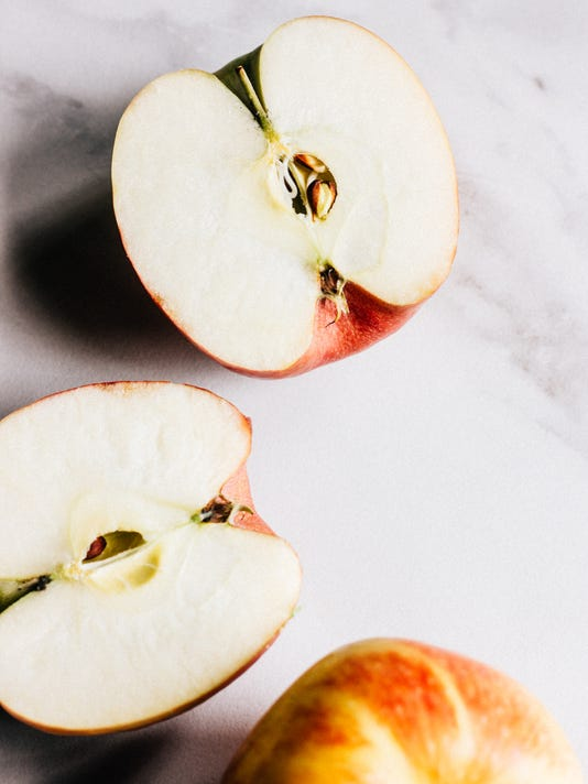 apple25-cut apples