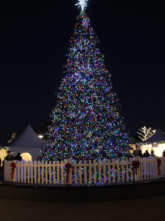 BHM tree lighting