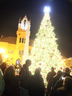 The moment the downtown Anderson Christmas tree was lit.