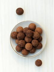 Cinnamon chocolate truffles require only a few ingredients