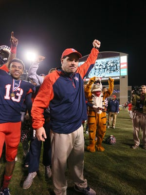 Coach Lance Pogue announced he will leave South Panola after 2016.