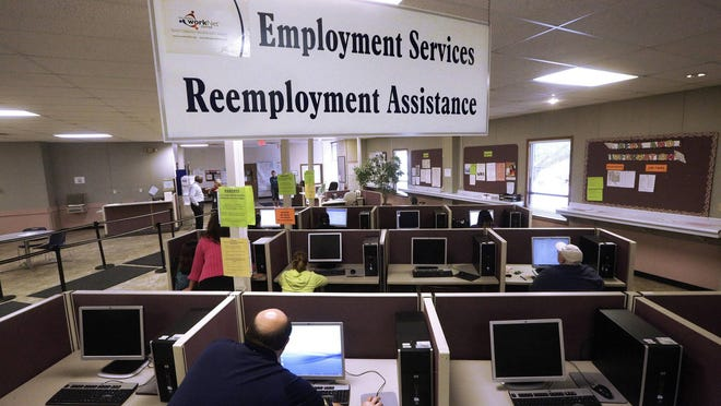 This Thursday, Sept. 29, 2016, file photo, shows the Illinois Department of Employment Security office in Springfield.