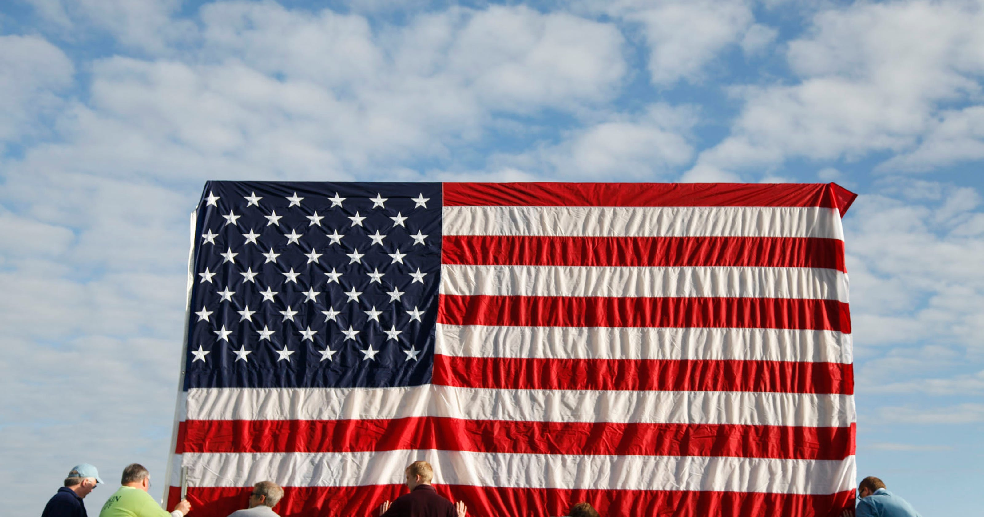 Bank donates to Monterey County veterans center