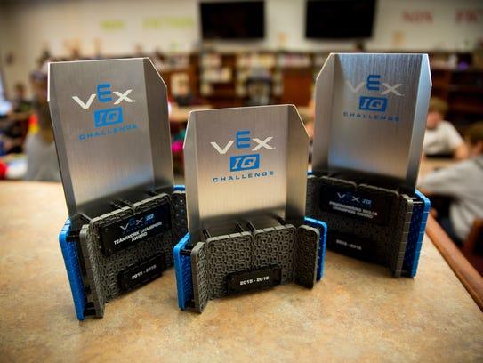 Awards the Sonoma Elementary School's Robotic Club
