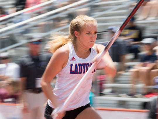 Gregory-Portland's Riley Floerke competes in the 15A