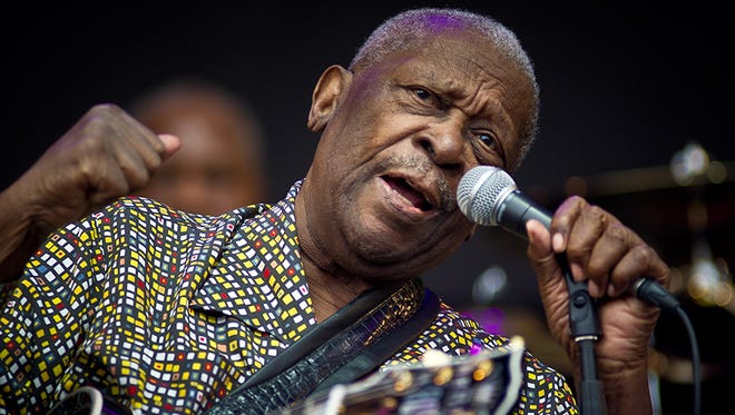 BB King performs live on the Pyramid stage during the Glastonbury Festival at Worthy Farm, Pilton on June 24, 2011 in Glastonbury, England.