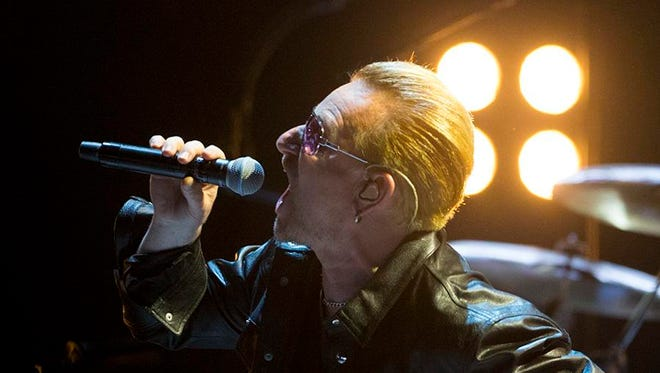 U2 preforming in Phoenix at US Airways Center during their iNNOCENCE + eXPERIENCE Tour.
