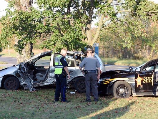 636434295475048874-ZAN-deputy-crash-1012.JPG