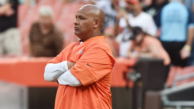 Browns coach Hue Jackson isn't a fan of players protesting during the national anthem.