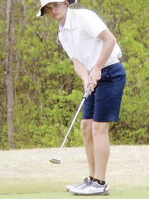 Carson Rainbolt displays his style on the green during his Bartlesville High School years. Mike Tupa/Examiner-Enterprise