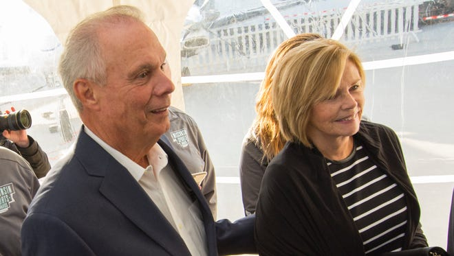 Former UW basketball coach Bo Ryan and his wife, Kelly, donated $500,000 for cancer research.