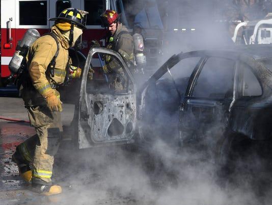 636536023103056658-Car-fire-1.jpg