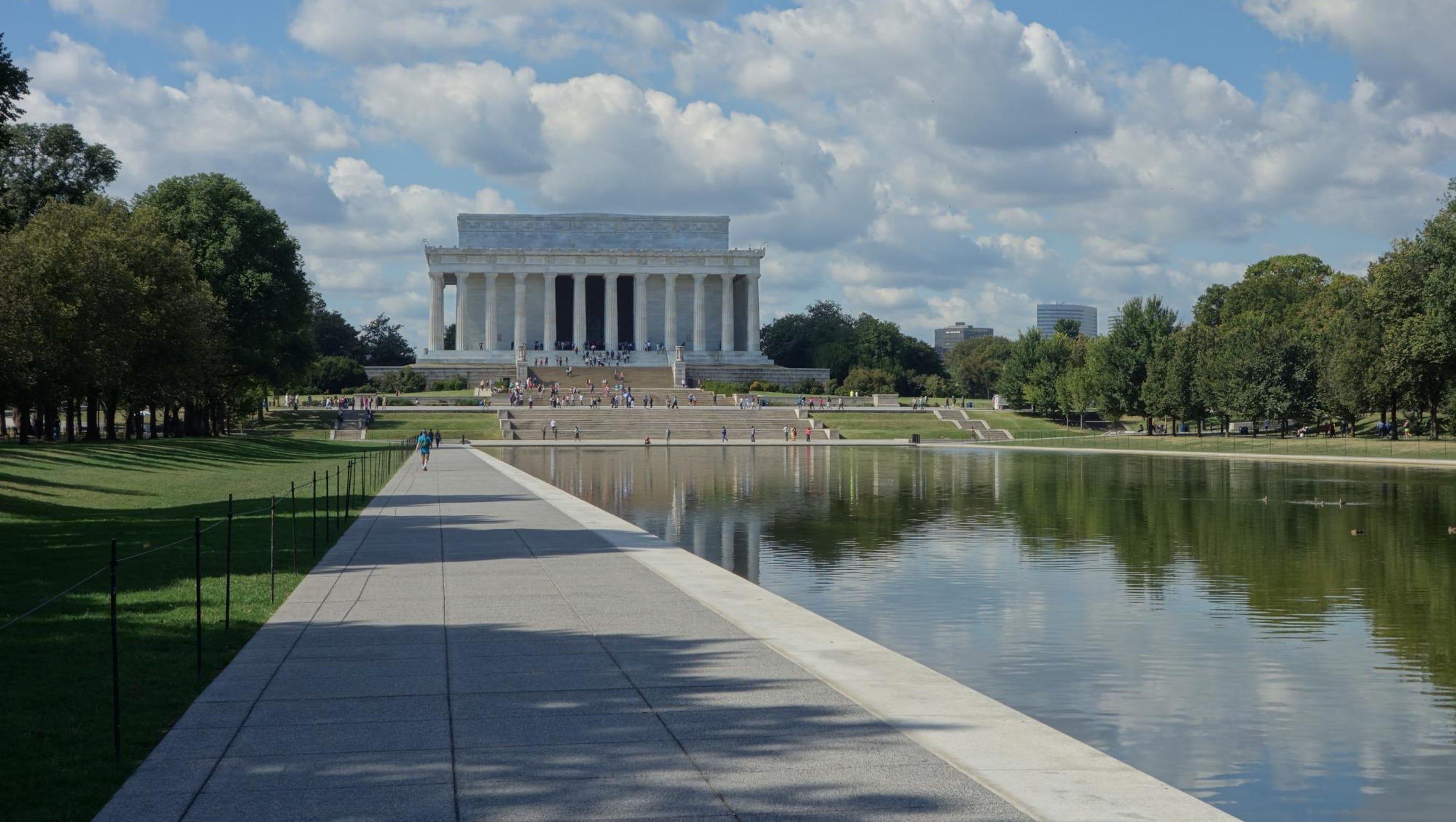 Tripadvisor names the world 39 s top landmarks for 2016 - Reflecting pool ...