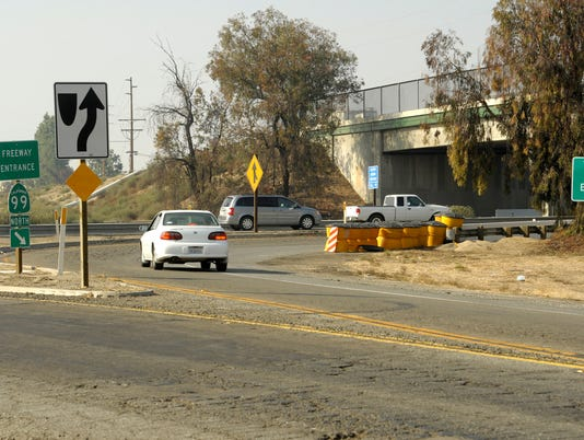 636446088531622588-VTDBrd-11-11-2014-Tulare-1-A001--2014-11-10-IMG-1105-Highway99OnOff-1-1-5J91UNF4-L515461355-IMG-1105-Highway99OnOff-1-1-5J91UNF4.jpg