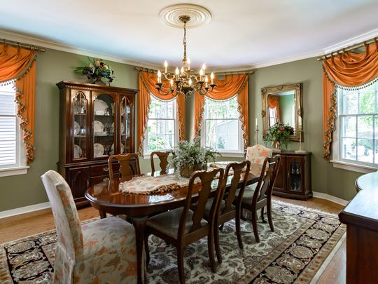 The formal dining room at 947 Thora Boulevard.