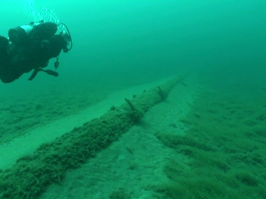 635990071573393180-Enbridge-Line-5-Straits-of-Mackinac-underwater.png
