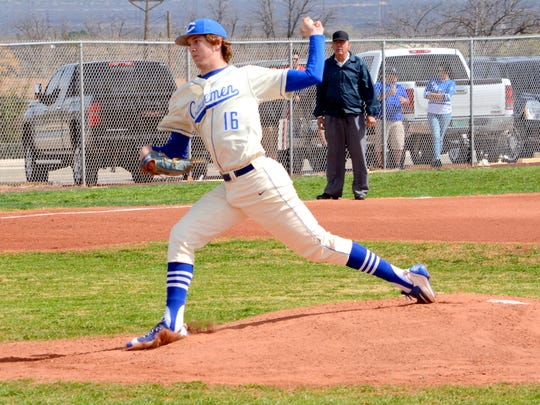 The Carlsbad baseball team began the 2016 season with a home doubleheader versus Las Cruces on Saturday. The Cavemen won both games, 6-1 and 75.
