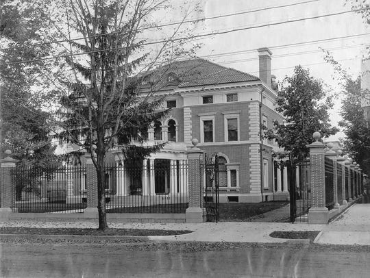 The Roberson mansion in 1915, when Alonzo Roberson
