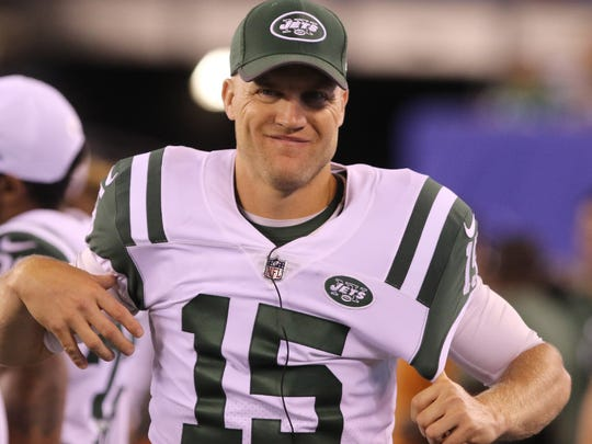 The Jets have elected to pass on a youth movement at quarterback to start the season, leaving Josh McCown to take the first snaps.
