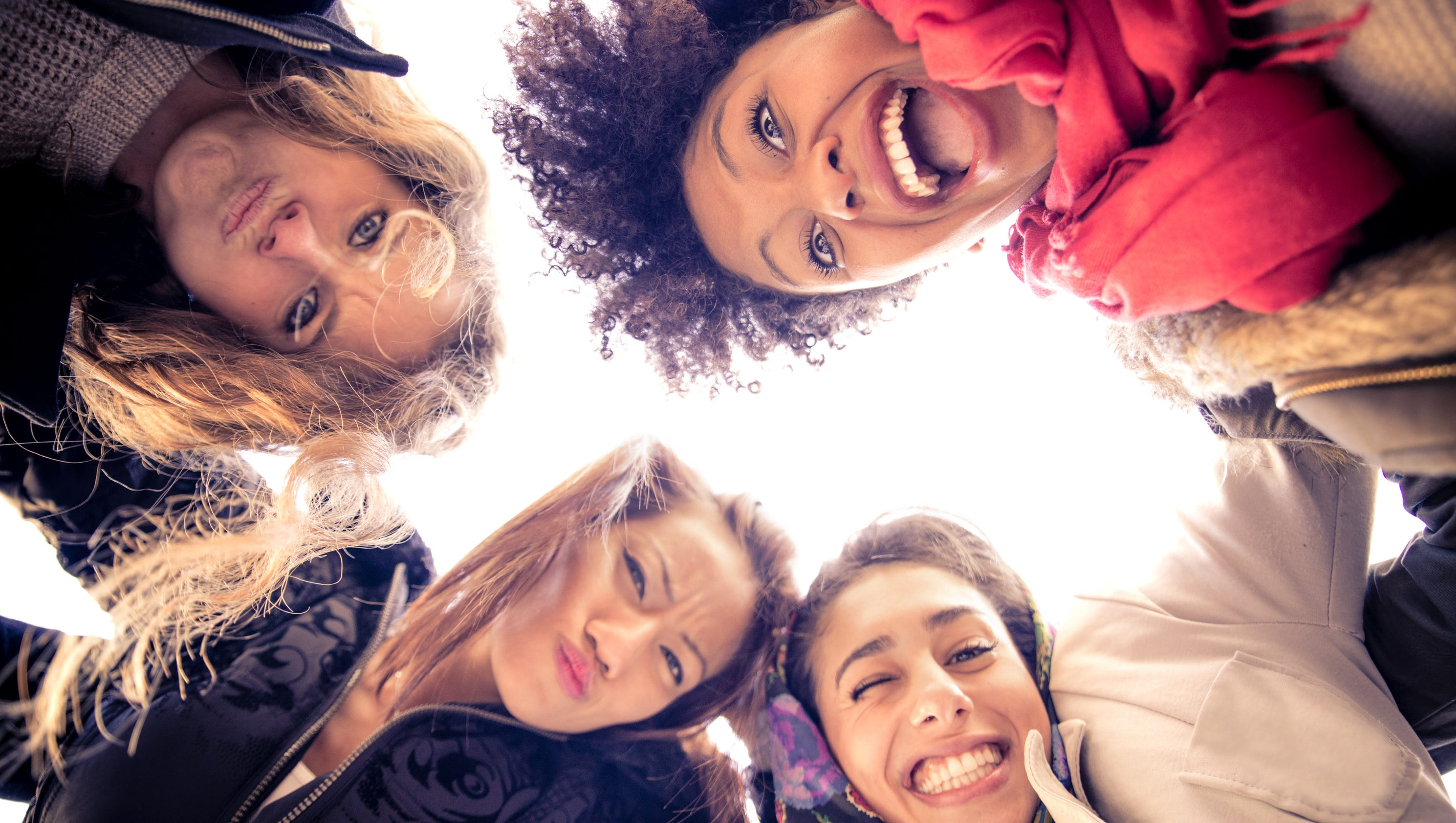 How to find female friends who lift you up