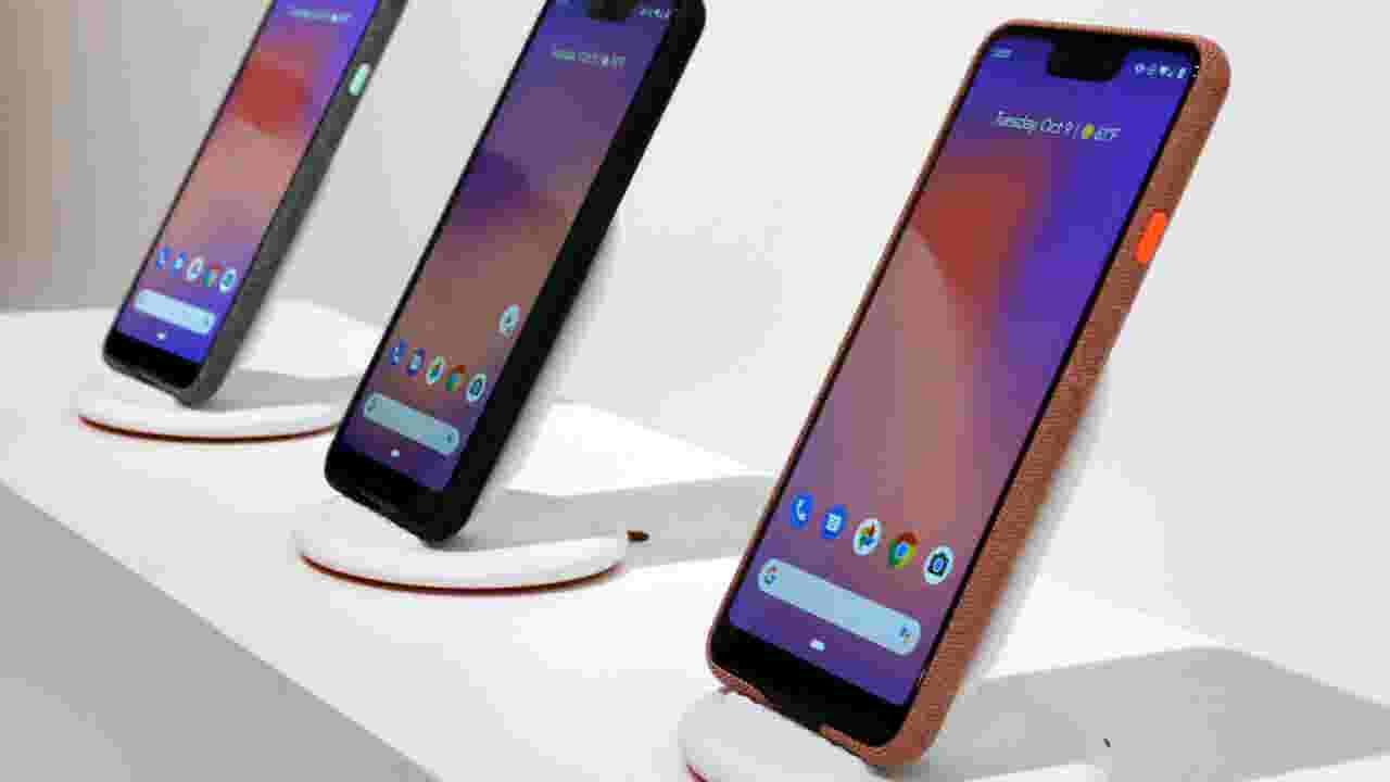 Google unveils new phone