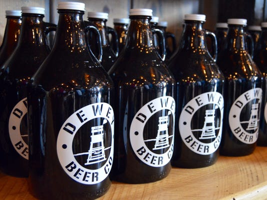635684517776990815-beer-bottles