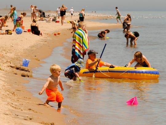 MAN n Neshotah Beach 2.jpg
