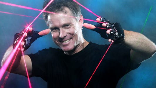 World class juggler, illusionist and comedian Mark Nizer will  entertain at 7:30 p.m. on Friday, Jan. 29, at the Rio Grand Theatre in Las Cruces. Nizer is special guest to the Dona Ana Arts Council.