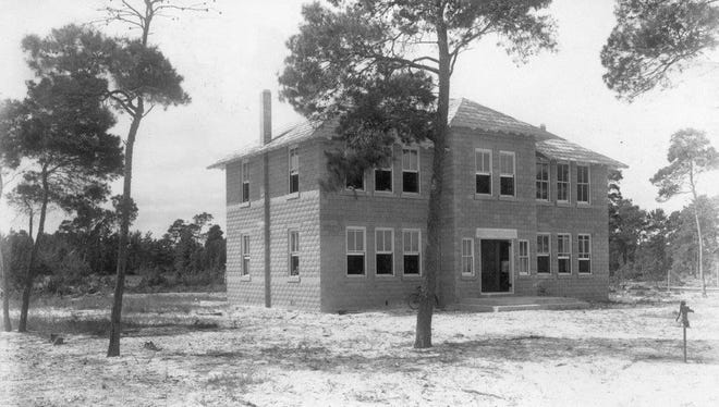 Built in 1909 on 4th Street, The Stuart School building was two stories, with four large classrooms, wide hallways and indoor restroom facilities.
