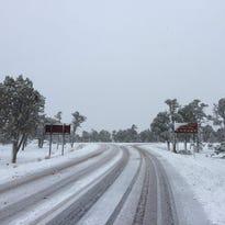 Autoridades del Gran Cañón se vieron forzadas a cancelar eventos programados para el lunes debido al clima.