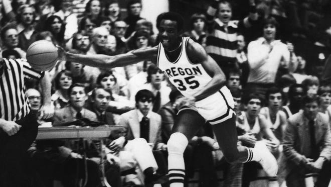 Rockford West grad Ernie Kent played four years in college at Oregon and later coached the Ducks to 235 victories in 13 seasons.
