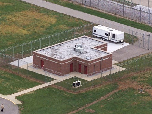 Lawyers fell stabbed prisoner with 10 inch shank for Bureau county metro center