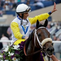Forever Unbridled caps day of upsets on Breeders' Cup first day