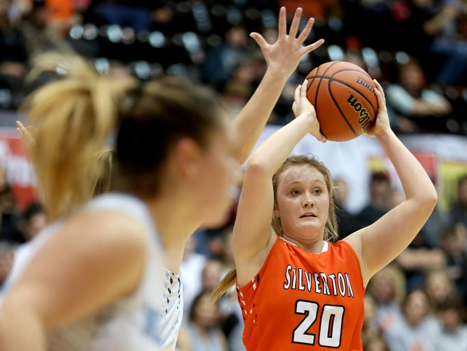 Silverton's Maggie Roth (20) looks to pass the ball