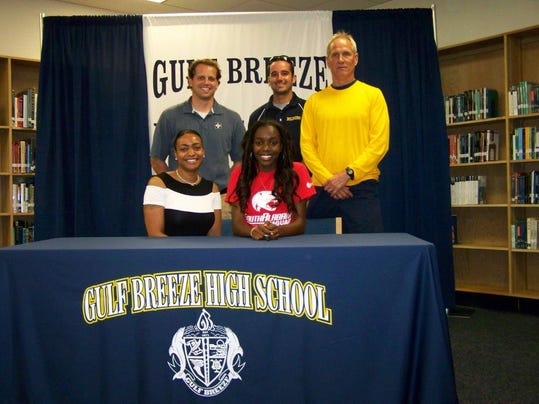 April 22   GBHS's Dominique Gaines signs Track and Field with University of .jpg
