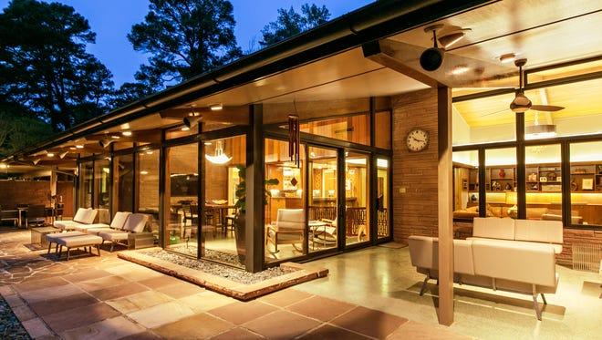 This 1953 mid-century modern home in Pierremont is $1.8 million.
