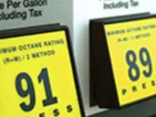 636349417583166205-Gas-pumps.JPG